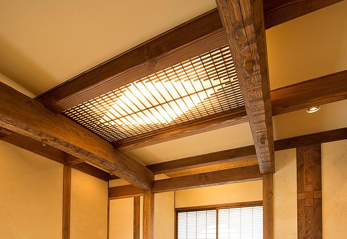 無垢材を使ったインテリアを紹介 和室 照明 飾り棚 ...: www.yume-h.com/design/japanese/12.php